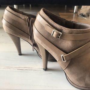 FERGALICIOUS high heeled brown booties